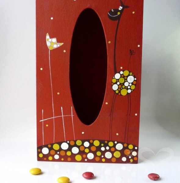 Krabice na kapesníky – červená – žirafa