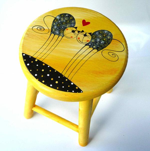 Dětská židlička – žlutá – zamilované kočky